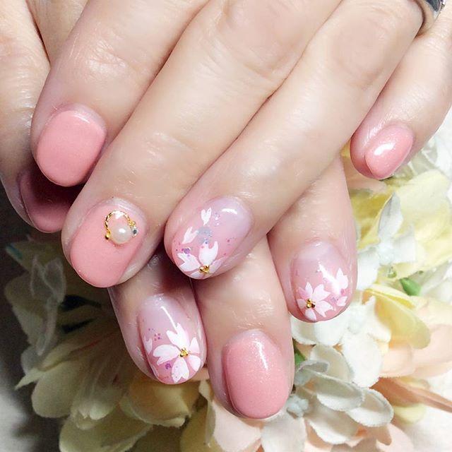 [お客様ネイル]#桜の開花宣言 があったそうですが、まだまだ寒いですね。桜の満開になる日が待ち遠しい!お先にネイルで桜が咲きました#桜#さくら#桜ネイル#サクラネイル#春ピンク#ピンクネイル#ピンクってやっぱりかわいい #文京区#茗荷谷#小石川#SARAHネイル#サラネイル