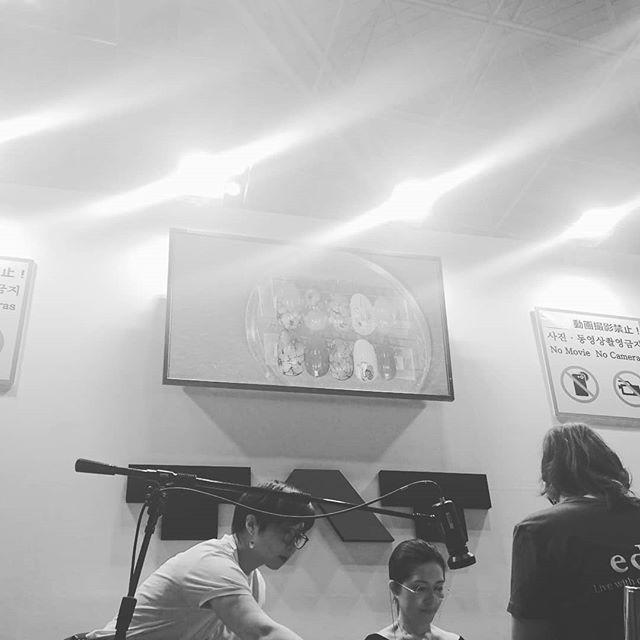 昨日から3日間ビックサイトでイベントが行われていますそして相変わらずのおっかけっぷりを発揮中です良い商品、良い技術!皆さまにお届けできるよう頑張ってきます#tati先生 #昨日はかわいかった #今日はめっちゃキレイ#好きすぎる #センスの良さ脱帽 #少しでも近づけるように#日々修行#BWJ#ビューティーワールドジャパン #東京ビックサイト