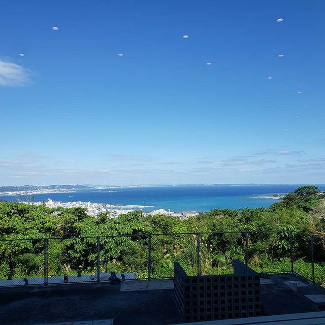 ただいまーーーー(* ´ ▽ ` *)ノ無事、沖縄から帰って参りました!沖縄がすごく暖かかったので、東京に着いた時の寒さったらすさまじかったです笑#愛情たっぷり#そして体が痛い純粋に人の真心を疑うことなく感じれていたのはとても不思議でしたし、豊かな時間でした️ #沖縄最高#同期が好きすぎる #仲間#沖縄にも温泉ってあるんだよ次はプライベートで行きたい️是非とも️ #SARAHネイル #サラネイル